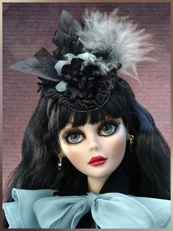 Под заказ Кукла виниловая Evangeline Ghastly A Tangled Web / Эванджелин Запутанная сеть или Паутина, состояние новой, полный комплект, в коробке
