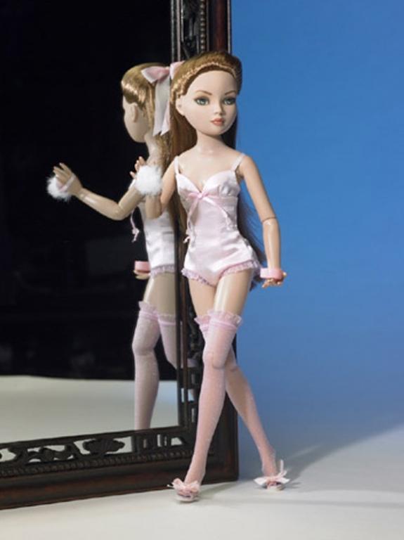 Кукла Tonner Ellowyne Wilde Essential Ellowyne 2006, новая, в коробке