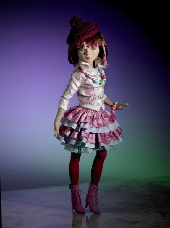 Кукла PRUDENCE MOODY-ESPECIALLY Ellowyne - Пруденс Особенная - подруга Элловайн, состояние новой, с подставкой, в коробке